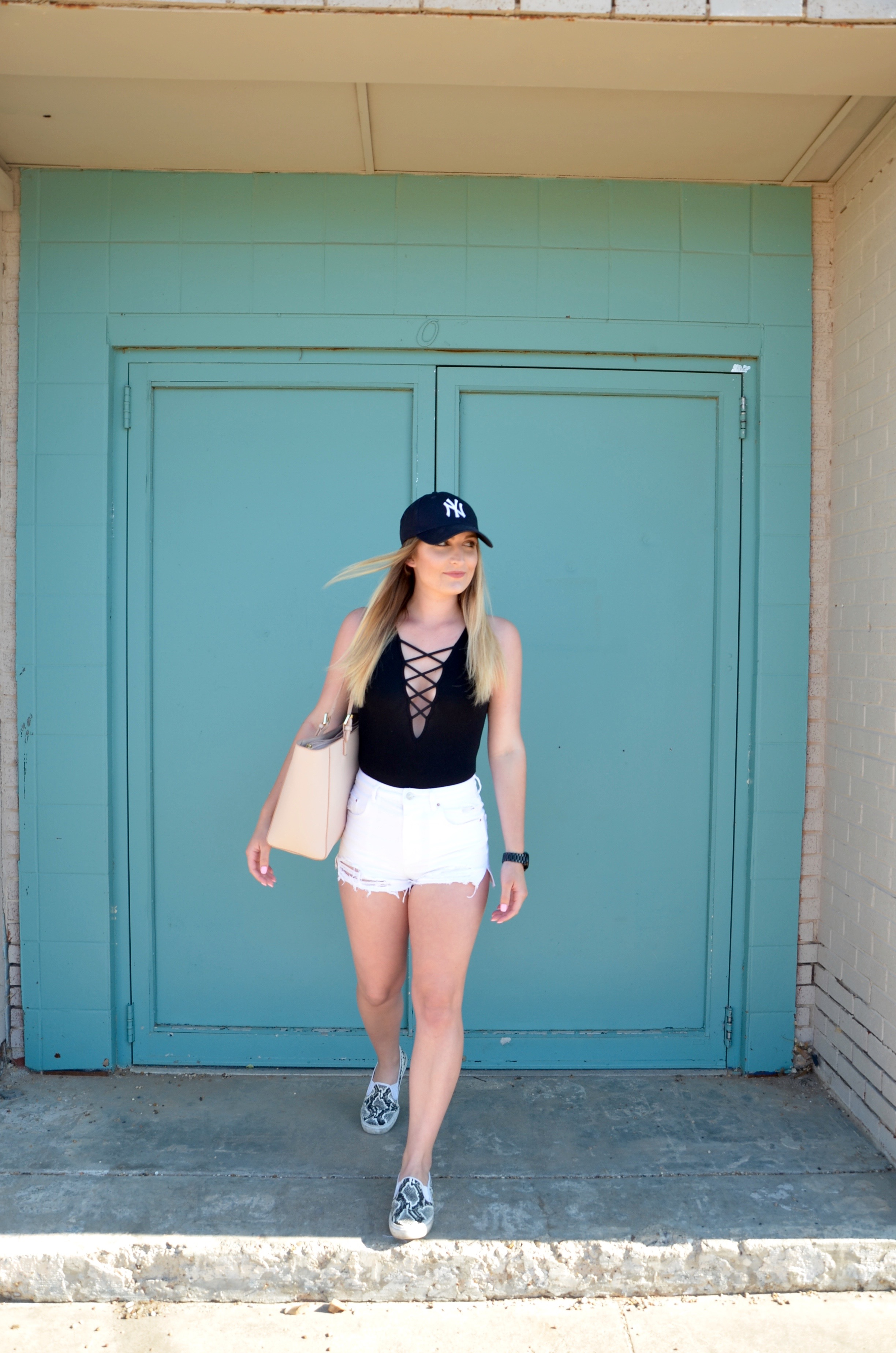 tiptop travel outfit - Travel Outfit Of The Day by popular Texas style blogger Audrey Madison Stowe