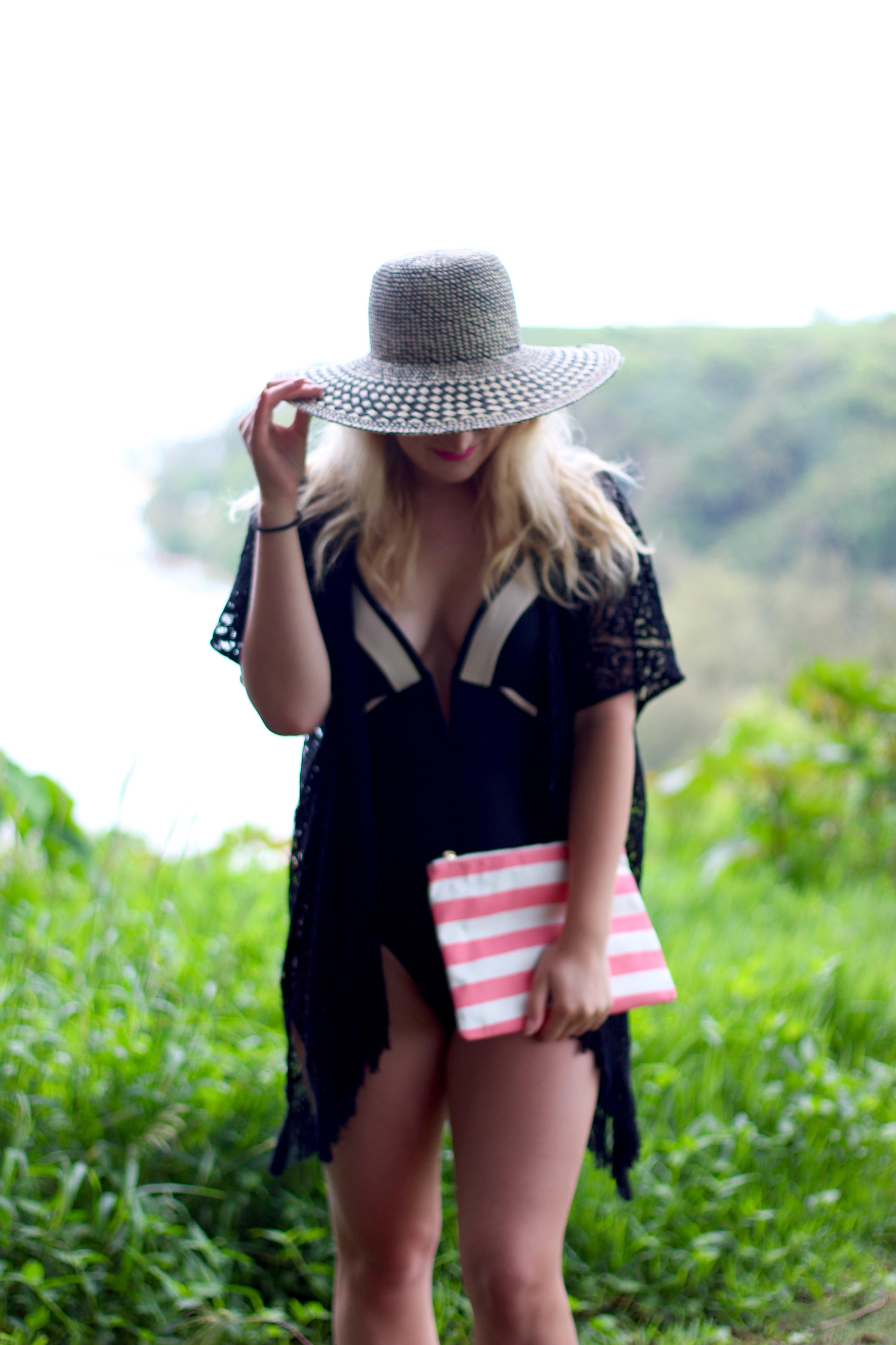 beach outfit | AMS Blog