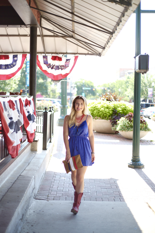 Dallas based fashion blogger July 4th OOTD | AMS Blog