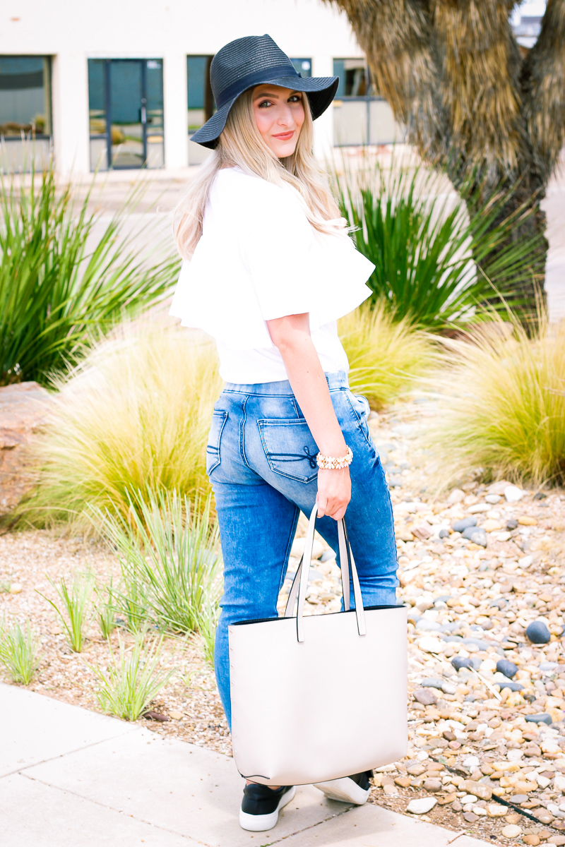 Comfy denim joggers for Fall with Denizen | Fashion and lifestyle blogger Audrey Madison Stowe | Fall style