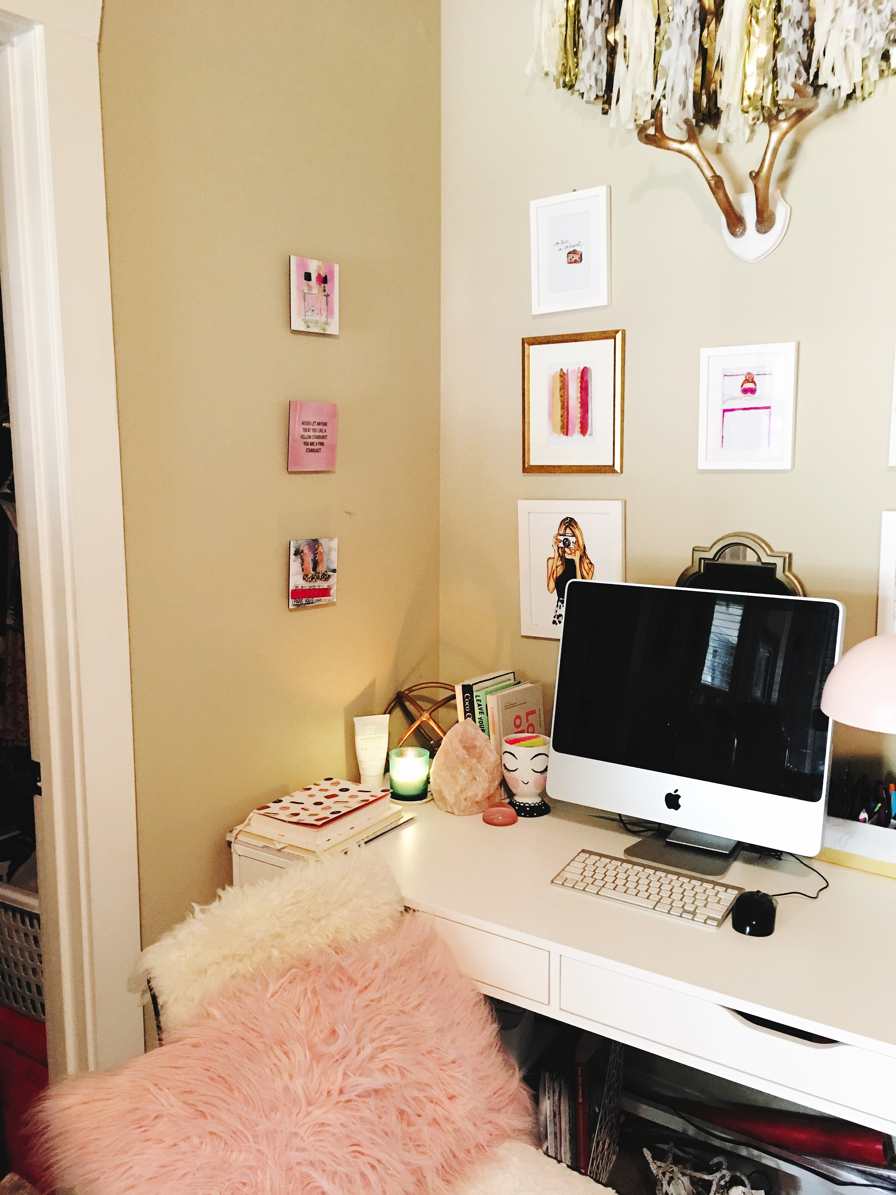 My college desk space   Blogger Office   Audrey Madison Stowe a life and style blog