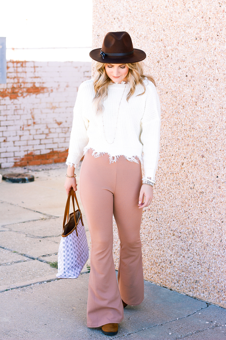 Products You Need for the Cold Weather   Candles, tea, winter   Audrey Madison Stowe a fashion and lifestyle blogger