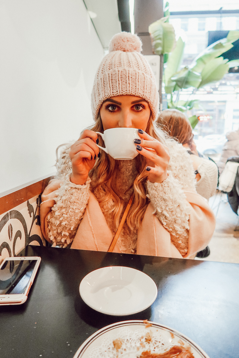 Coffee stop | Audrey Madison Stowe a fashion and lifestyle blogger | Chicago travel