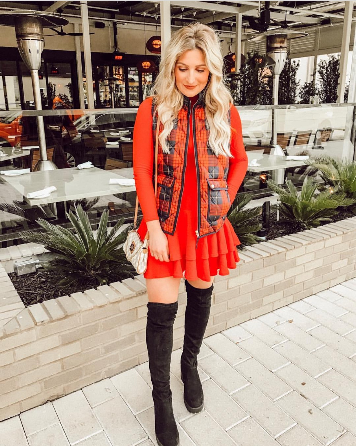 holiday red | Audrey Madison Stowe a fashion and lifestyle blogger