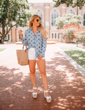 The Blouse That Works With Everyday | Audrey Madison Stowe a fashion and lifestyle blogger