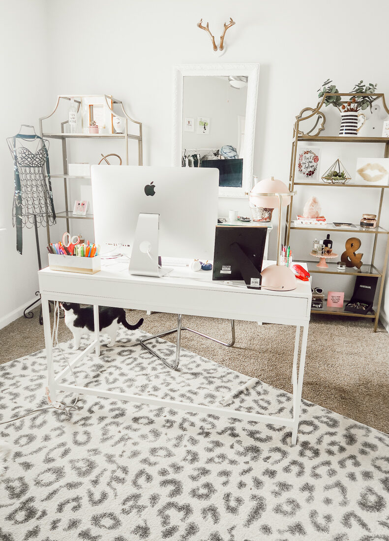 Home Office Tour | Girly Blogger Cloffice | Blogger Office | Audrey MAdison Stowe a fashion and lifestyle blogger