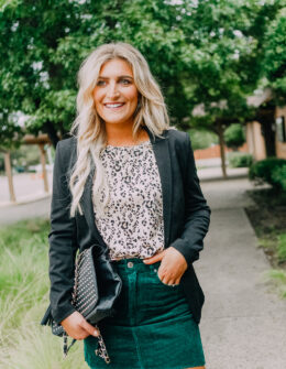 Gift Ideas For Coworkers Under $25 | Audrey Madison Stowe a fashion and lifestyle blogger |