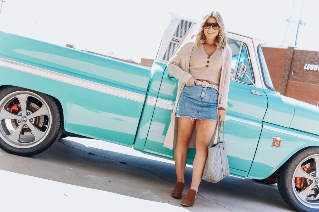Styling A Denim Skirt | Texas Blogger | Audrey Madison Stowe a fashion and lifestyle blogger