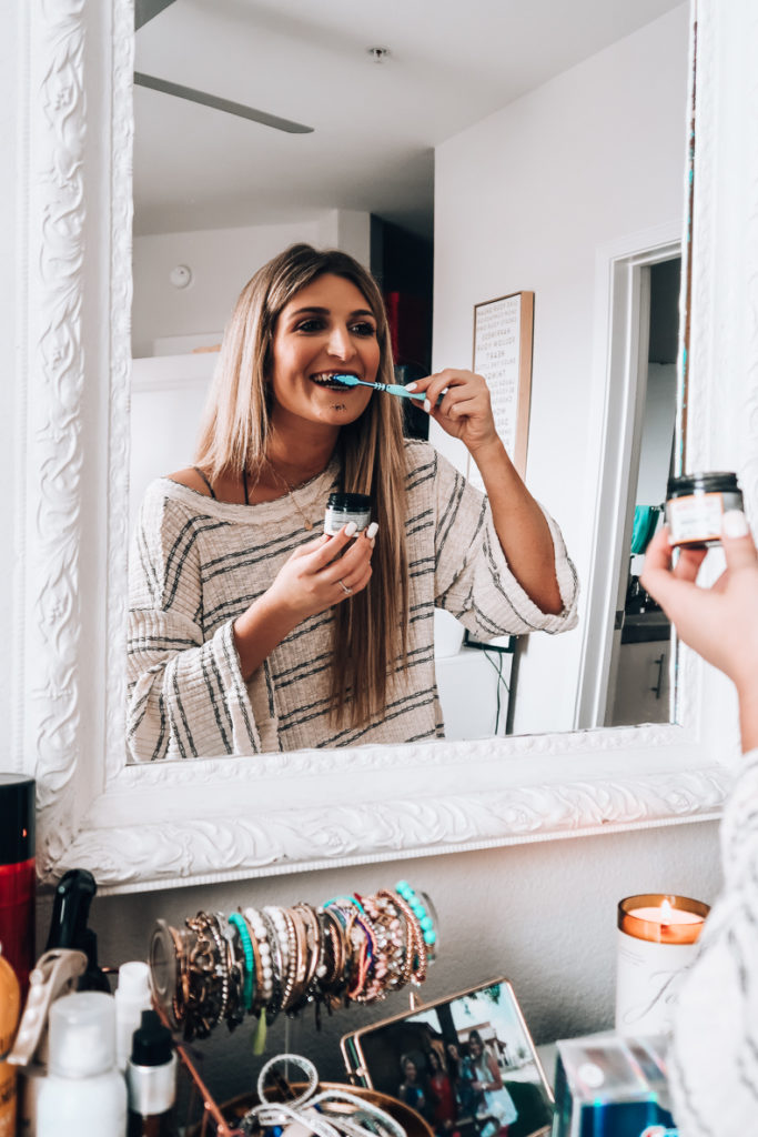 How I Whiten My Teeth | Teeth Whitening | Audrey Madison Stowe a fashion and lifestyle blogger