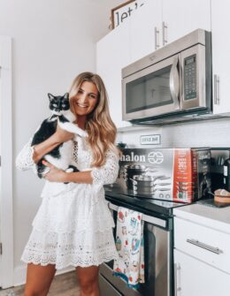 The Cookware Set To Have On Your Registry | Wedding Wednesday | Audrey Madison Stowe a fashion and lifestyle blogger