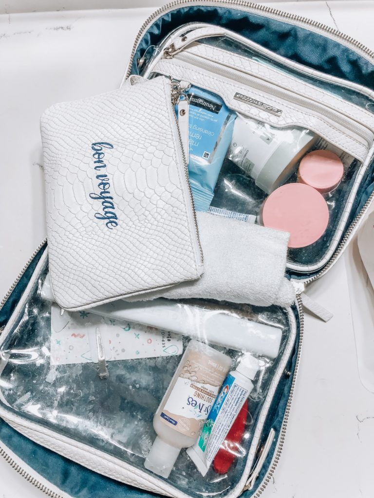 Toiletry Bag | How I Pack When Traveling | Audrey Madison Stowe a fashion and lifestyle blogger