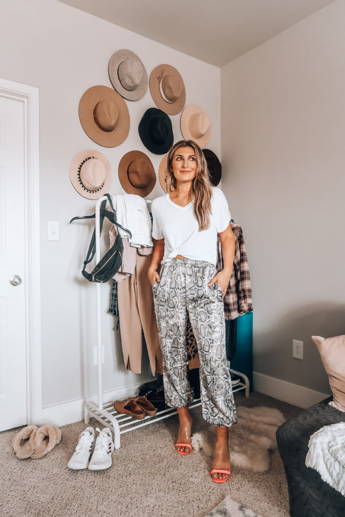 10 Ways To Style A White Tee This Fall | Audrey Madison Stowe a fashion and lifestyle blogger in Texas