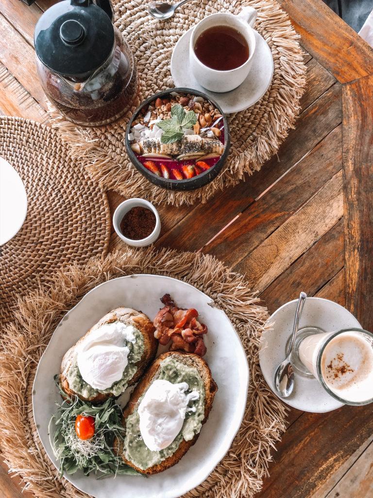 Uluwatu breakfast by the beach for honeymoon