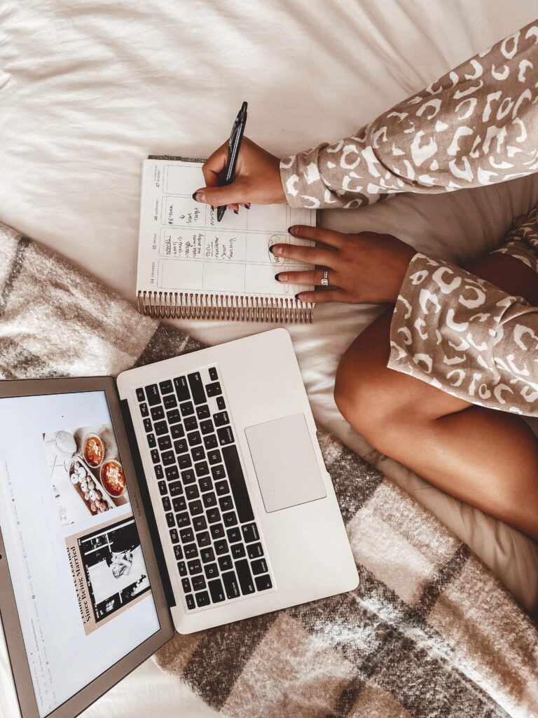 My Daily Schedule Working From Home   Self Employed Work Schedule   Audrey Madison Stowe a fashion and lifestyle blogger
