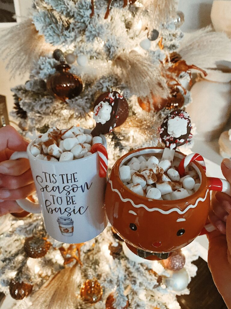 Healthy Hot Chocolate Recipes To Try This Season | Dairy free hot chocolate recipe | Audrey Madison Stowe