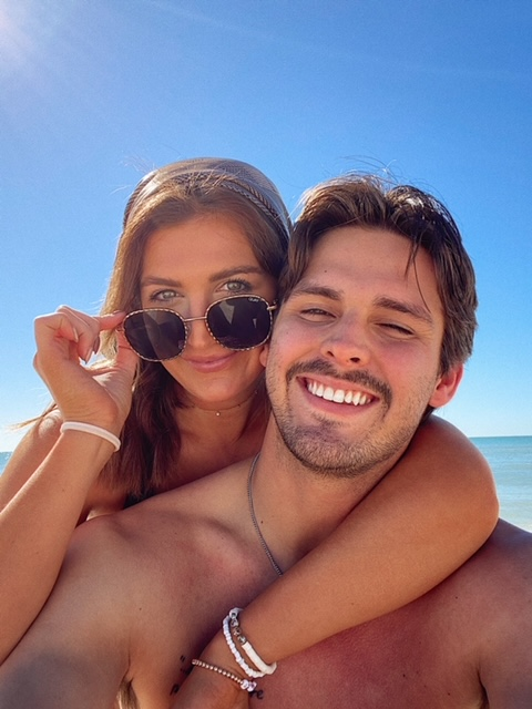 Husband and Wife at the beach | Couple pictures