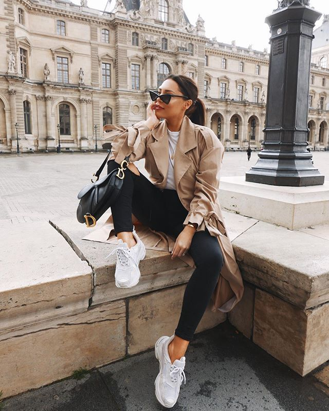 styling a trench coat in spring